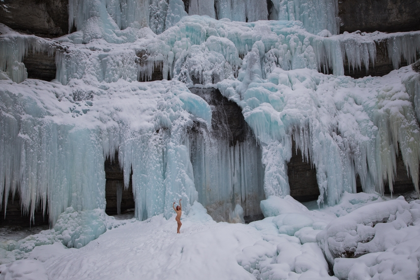 Nude in winter 001