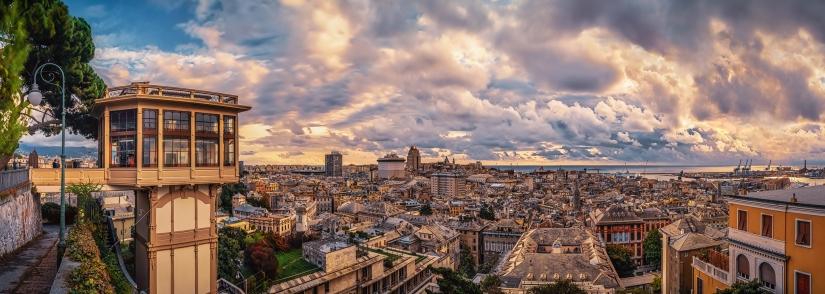 Nuvole e colori su Genova