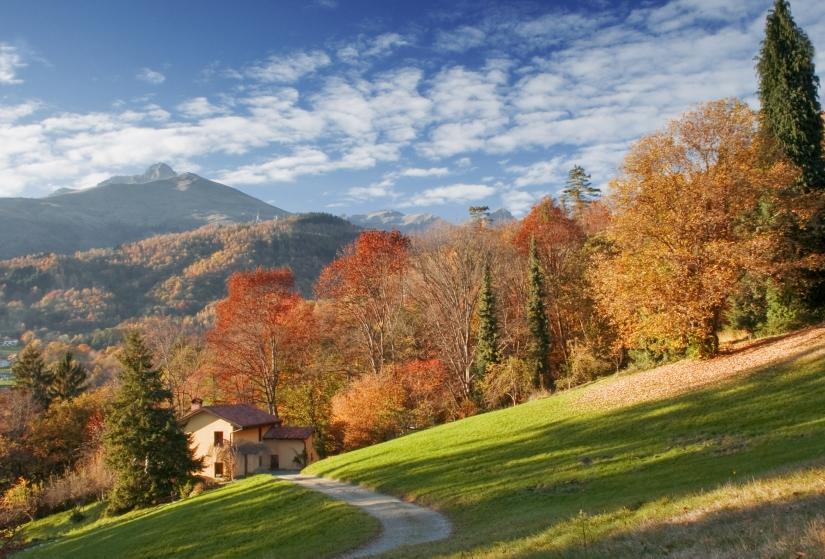 Paesaggio autunnale dal parco della Burcina