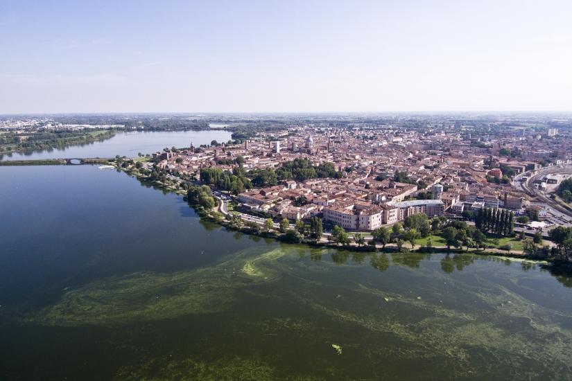 Panorama Mantova con il drone