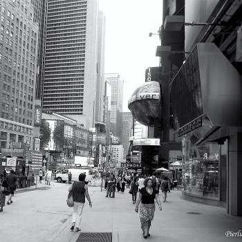 Passeggiando tra la gente nel cuore della grande mela... New York