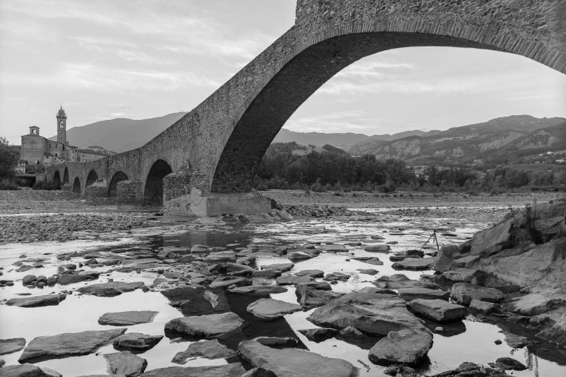 Ponte gobbo ( detto ponte del diavolo ) Bobbio - pc