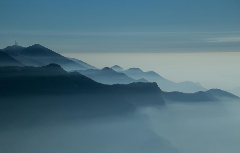 Profili nella nebbia