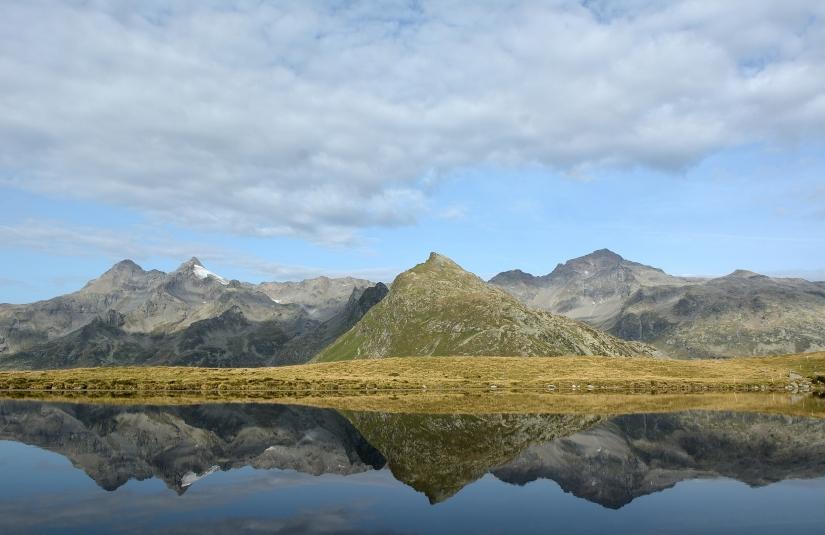 Riflessi Nel Lago Degli Andossi  ( Valle Spluga )