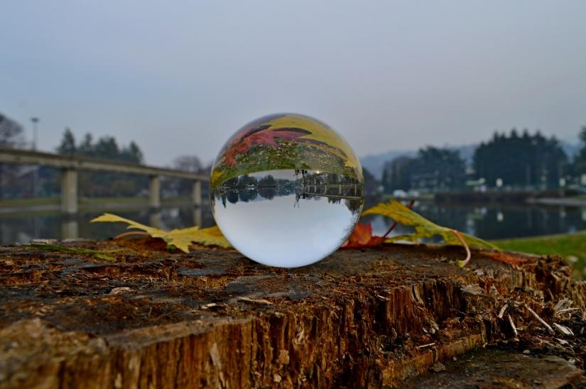 Riflessi su sfera