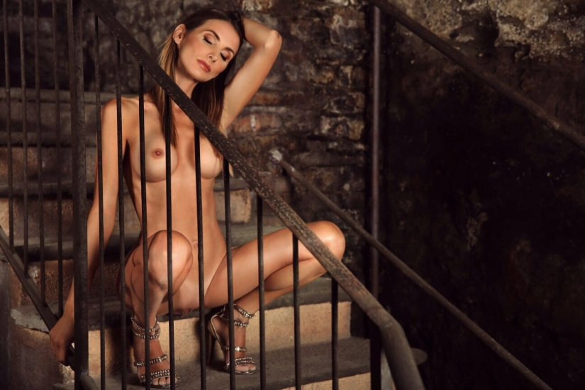 Sarah Genova by Emanuele Jeane Appendino