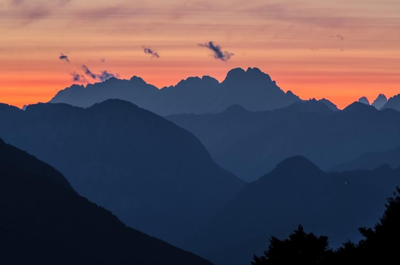 Sfumature di montagne al tramonto
