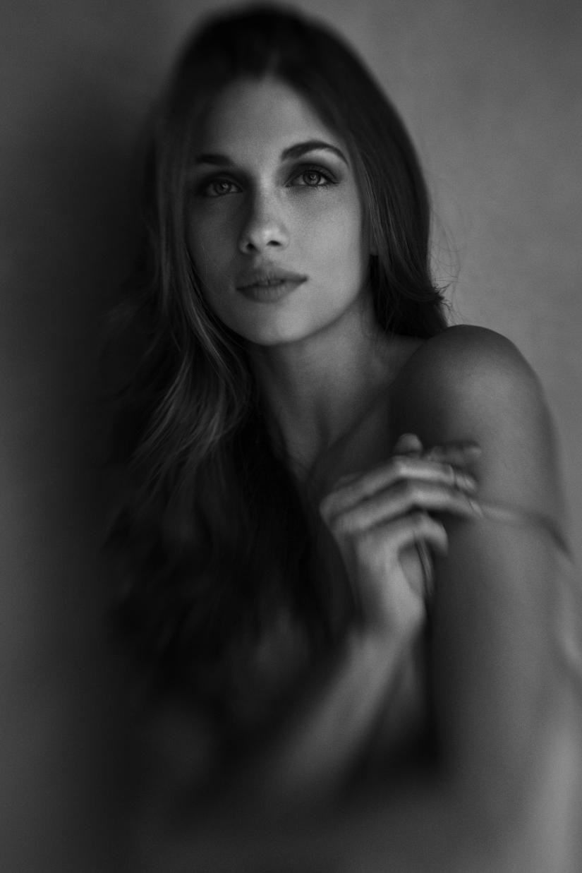 Simona, Portrait