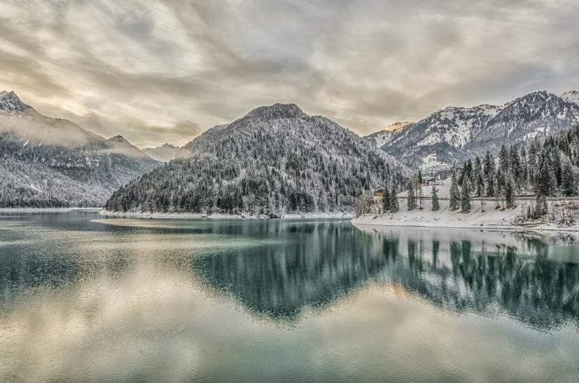 Tramonti di lago tra i monti