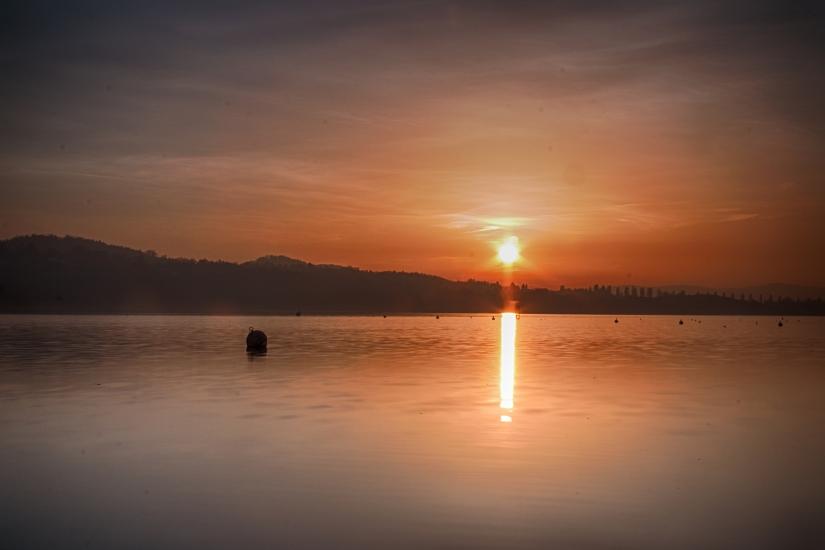 Tramonto su lago di Varese