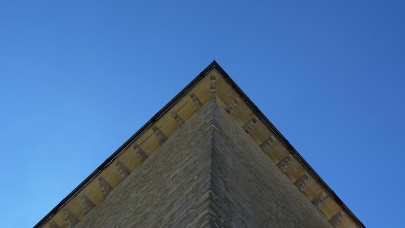 Un triangolo? No, una torre