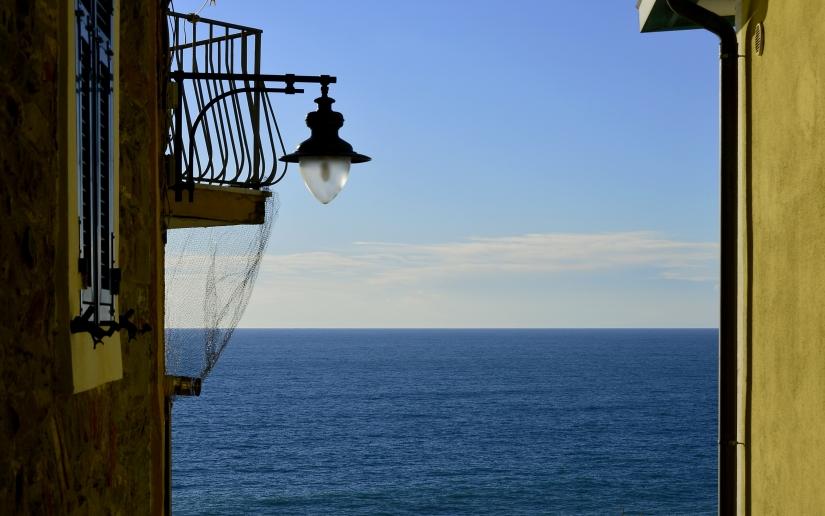 Una terrazza sul mare  ...