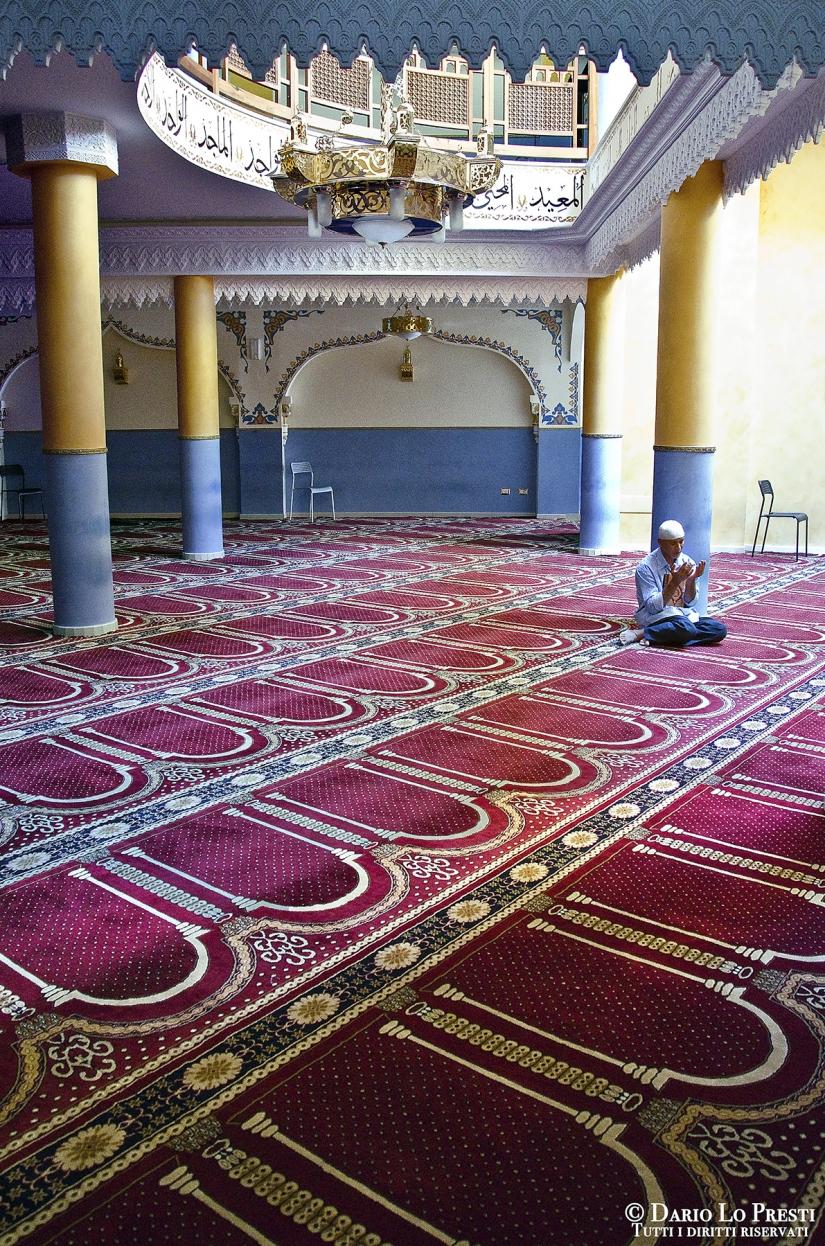 Venerdì di preghiera in moschea