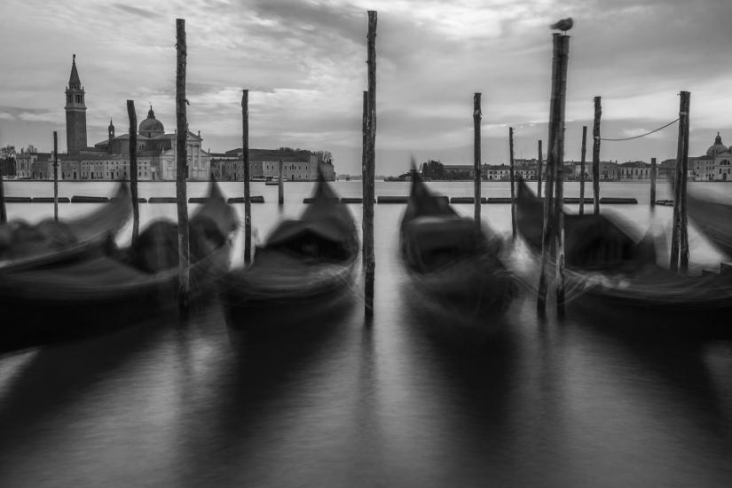 Venezia bella , fabbricata sul mare.