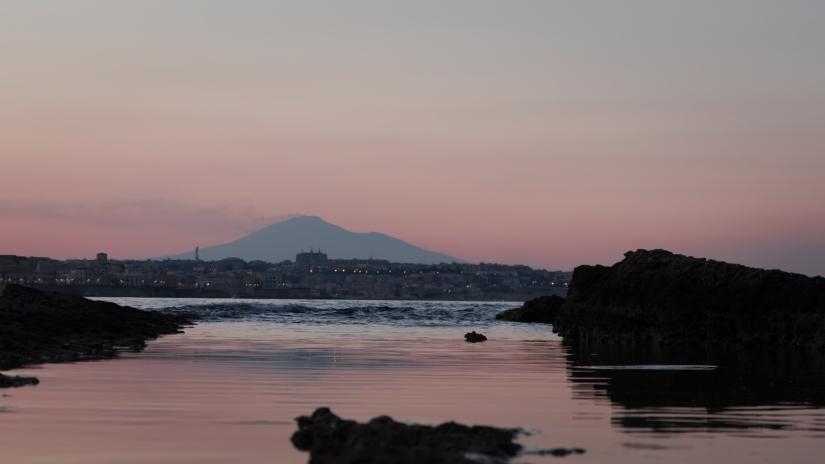 Vista dell'Etna al tramonto da Sr