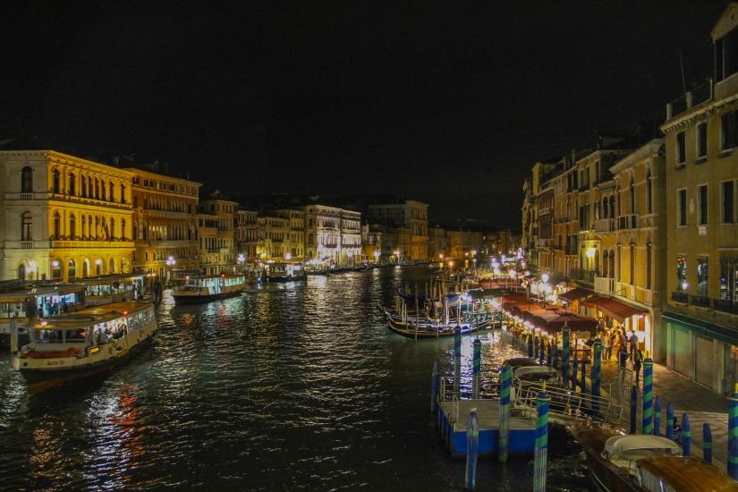 Vita serale sul Canal Grande