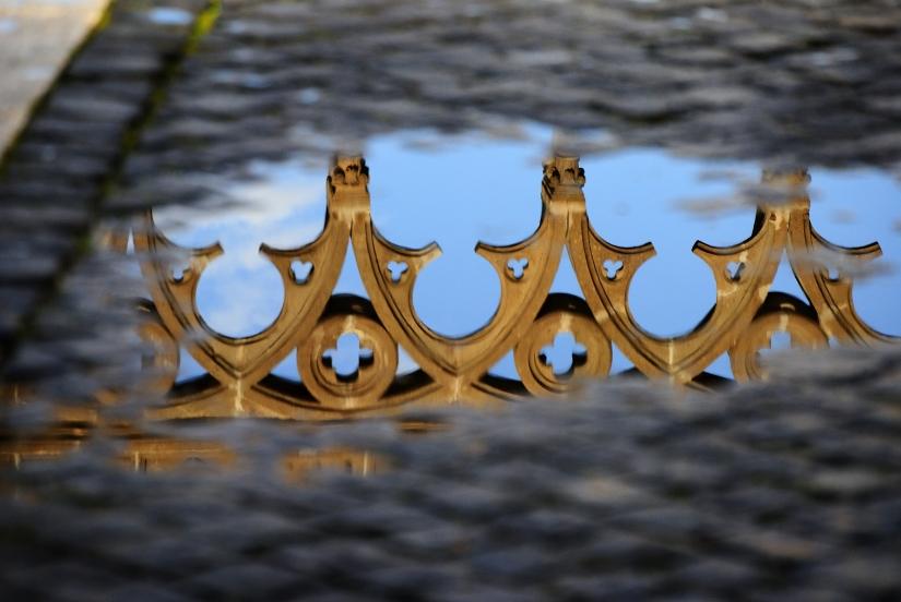 Viterbo fregio riflesso del Palazzo dei Papi