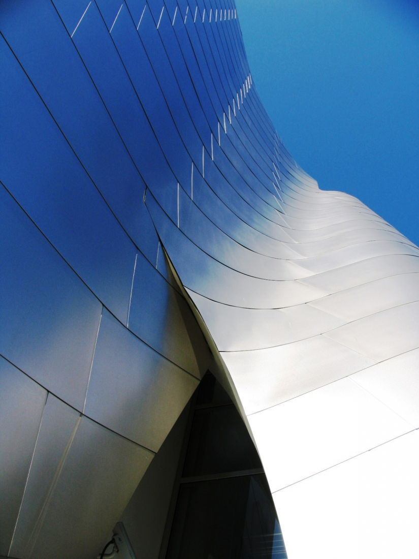 Wave in architecture